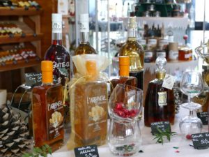 vins, pineau, cognac, bonbons, sel de l'île de ré, safran, produits du terroir du cognac